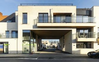 Deze nieuwbouwappartementen (1, 2 of 3 slpks) zijn gelegen vlak bij het centrum van Deerlijk en zijn...