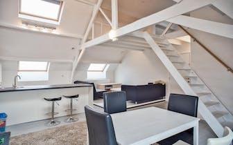 Kom en ontdek deze woning tijdens onze Pre-sale die doorgaat op zaterdag 15 februari tussen 10u en 1...