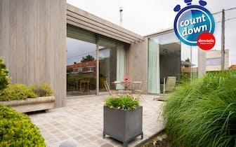 Uiterst kwalitatief gerenoveerd huis (2014) met apart bijgebouwtje (mogelijkheid tot kantoor, loft,...