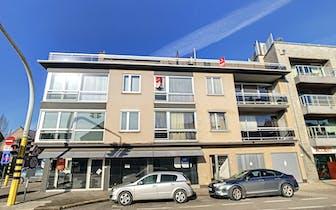 In de Koning Albert I-Laan te Roeselare, vinden we in deze kleinschalige residentie dit appartement...