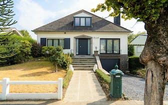 Op zoek naar een woning op een toplocatie te Harelbeke? Bekijk dan zeker deze perfect instapklare wo...