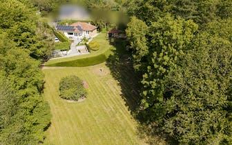 Deze alleenstaande woning te Ronse, Eisdale geniet van een prachtig en uniek zicht en is gelegen op...