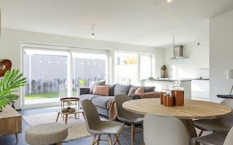 Op zoek naar nieuwbouw in Menen?  Deze mooie halfopen nieuwbouwwoning met 3 slaapkamers is op zoek n...