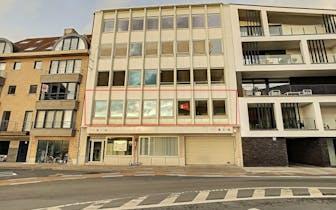 Kantoorruimte of appartement van 190m² op de 1ste verdieping van een kleinschalig appartementsgebouw...