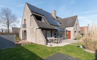 Instapklare villa te koop op een perceel van 644m²  gelegen langs de Stuiverstraat te Oostende/Stene...